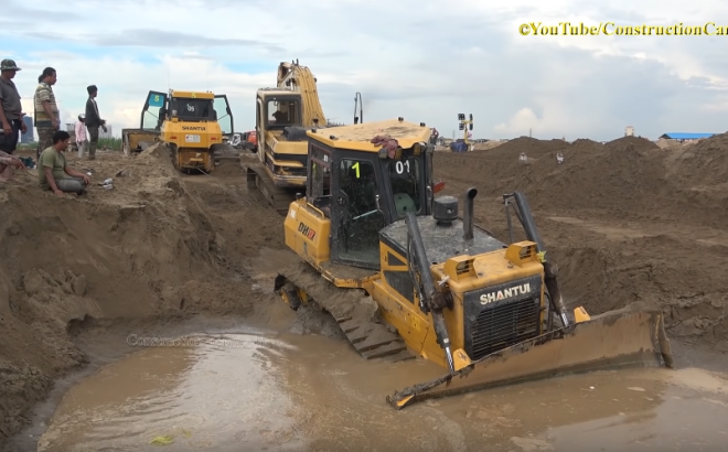 Heavy Equipment Fails Stuck Recovery Compilation
